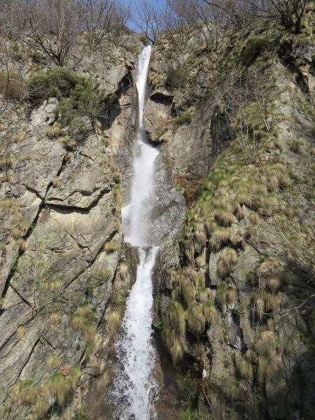 Zum Wasserfall bei Trarego